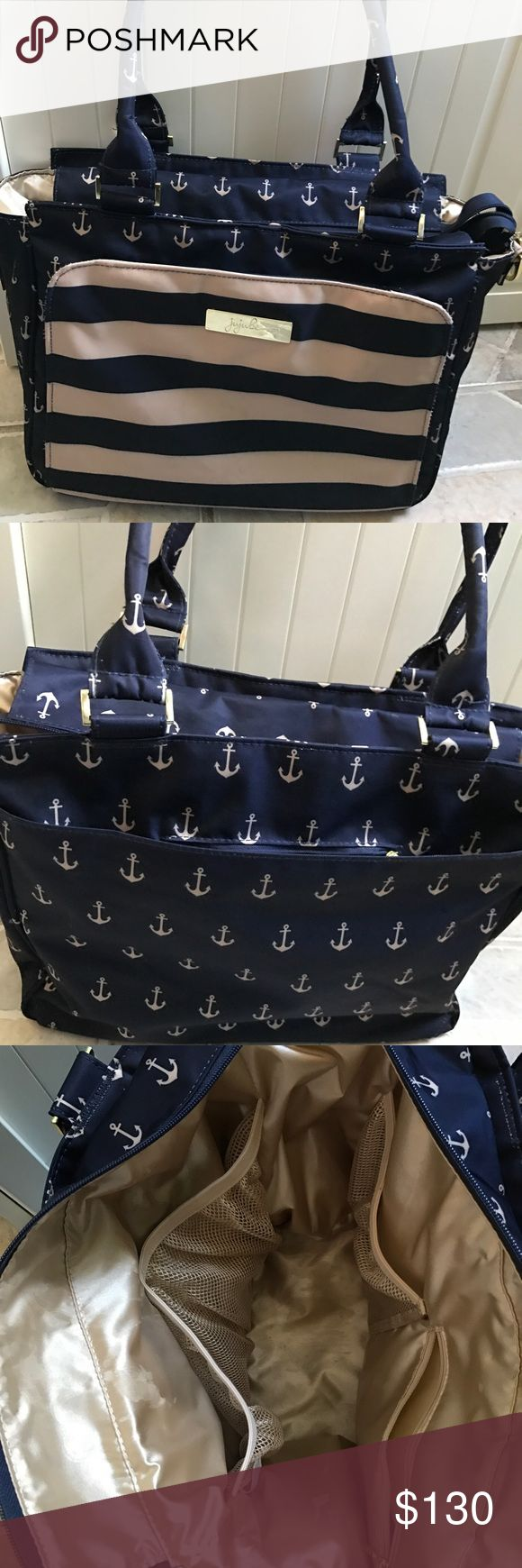 Jujube be classy Jujube be classy in the commodore. Machine washable. Comes with change pad and messenger strap. Perfect for when you have new borns. Has tons of internal organizational pockets. Only getting rid of it because I have too many bags and need to down scale. jujube Bags Baby Bags