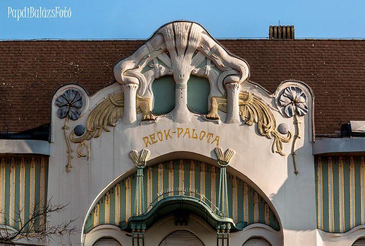 Szegedi palota részletek http://www.szeretlekmagyarorszag.hu/mindig-tud-ujat-mutatni-a-varos-interju-az-egyik-legszegedibb-fotossal/