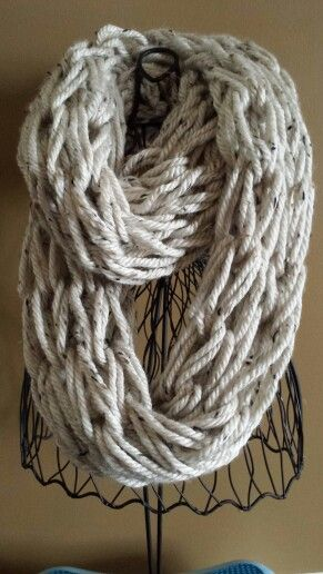 Arm knitting infinity scarf Style Pinterest Mom, Awesome and Infinity s...