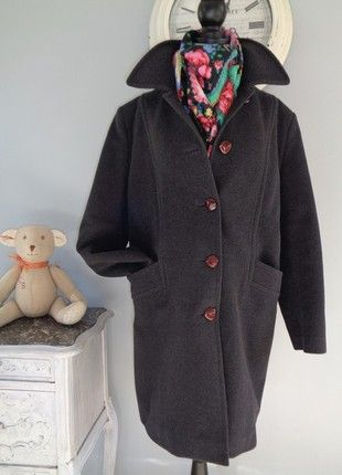 À vendre sur #vintedfrance ! http://www.vinted.fr/mode-femmes/manteaux-dhiver/51058612-manteau-pur-vintage-annees-70-luxe-laine-cachemire-boyfriend-oversize-jamais-porte-t38-4042