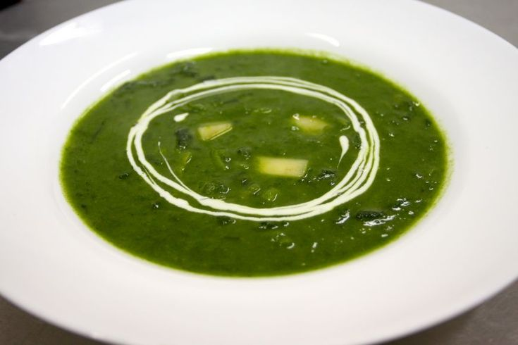 Reteta Victor Nemes: Supa de spanac cu praz - www.Foodstory.ro
