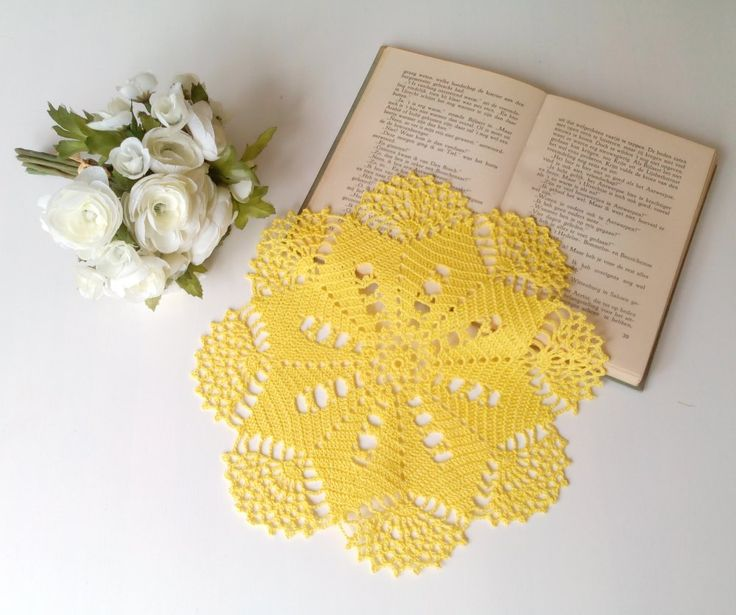 "Doily model ""Cheyenne"" in sunflower yellow"