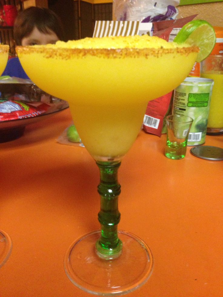 Mango Margritas with chili lime salt....yummy 🍹😋