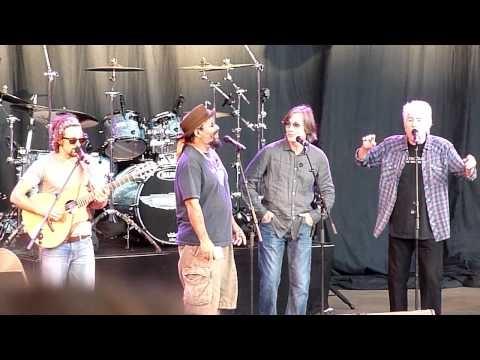 "Jason Mraz, Jackson Browne, Graham Nash ""Rescue"" Live 2011"