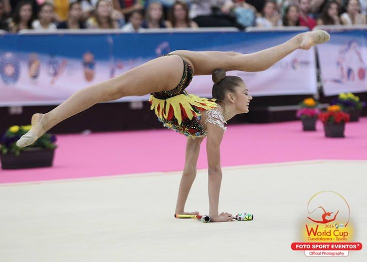 Aleksandra Soldatova (Russia) won silver in clubs finals at World Cup (Guadalajara, Spain) 2016