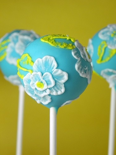 Brush Embroidery flower cakepops