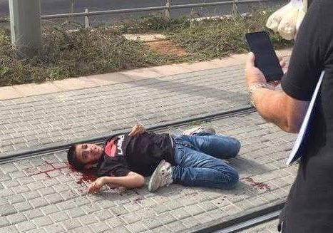 What kind of monsters shoot a 13 year old child in the neck, kick him while he lays bleeding, handcuff him to his hospital bed, abuse him until he gives a false confession, and jail him? The IDF, that's who! Free Ahmad Manasrah. Free all child prisoners in Israhell. Free Palestine ✌