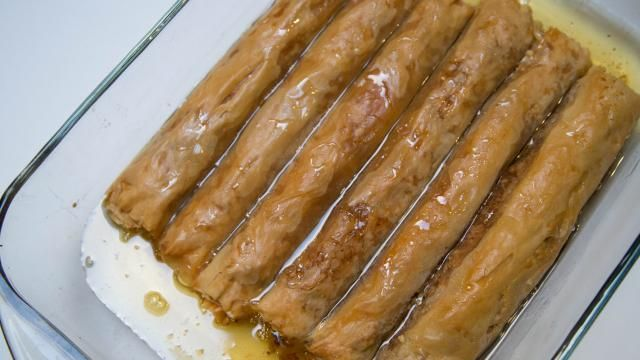 Easiest Rolled Baklava Recipe | Mom's Dish