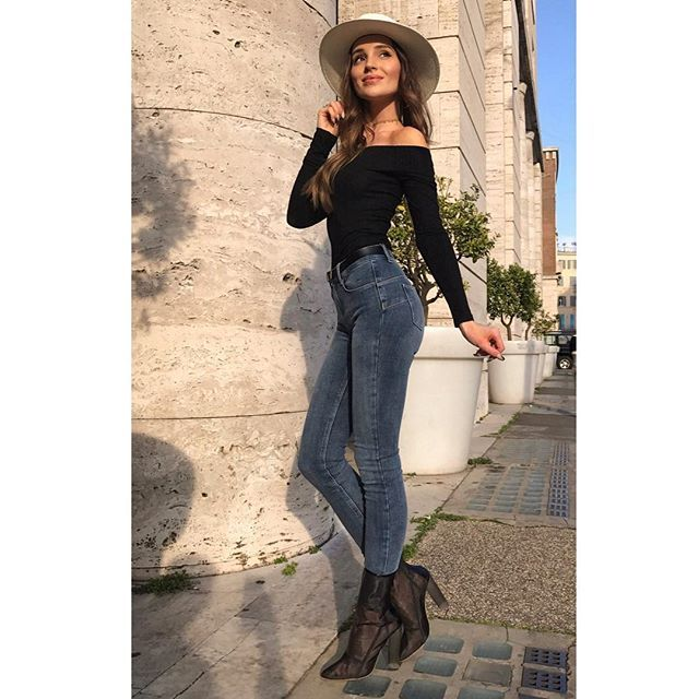 Instagram media by marina_official - Be a bad ass with a good ass @liujoglobal  #liujo #myamazingfit #liujobottomup #theperfectpair