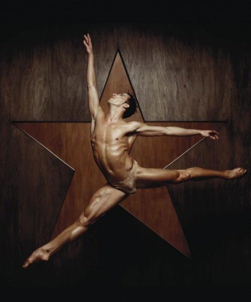 Dancers by Erwin Olaf | INTRODANS