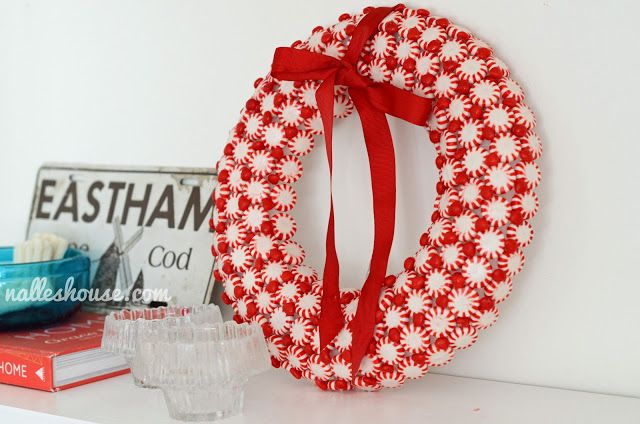 Peppermint Candy Wreath #redandwhitechristmas