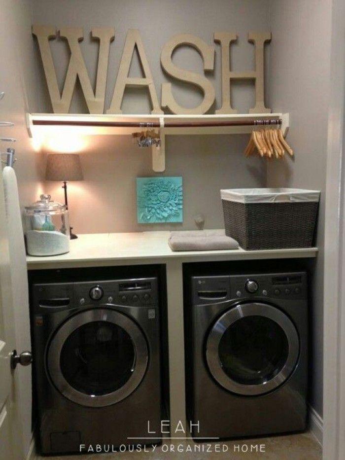 Wat een mooi washok in een kleine ruimte.