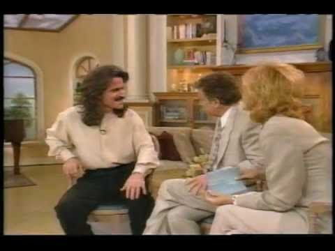 """YANNI - Live with Regis & Kathie Lee - and performance of """"In The Mirror"""" July 7, 1995"""