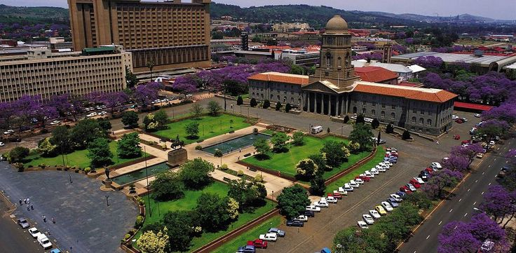 Pretoria City Hall and Pretorius Square - Pretoria attractions,activities, and entertainment – South African Tourism