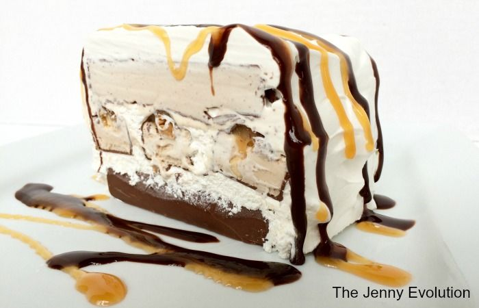 What better way to ring in summer than with a ridiculously easy homemade ice cream cake. And even better -- it's an Ice Cream Snickers Cake!