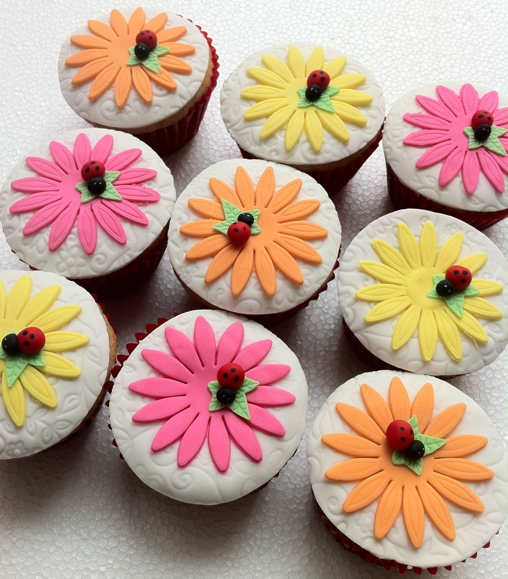 Best Mosa Cakes Images On Pinterest Cup Cakes D Cakes And - Bug cupcake decorating ideas