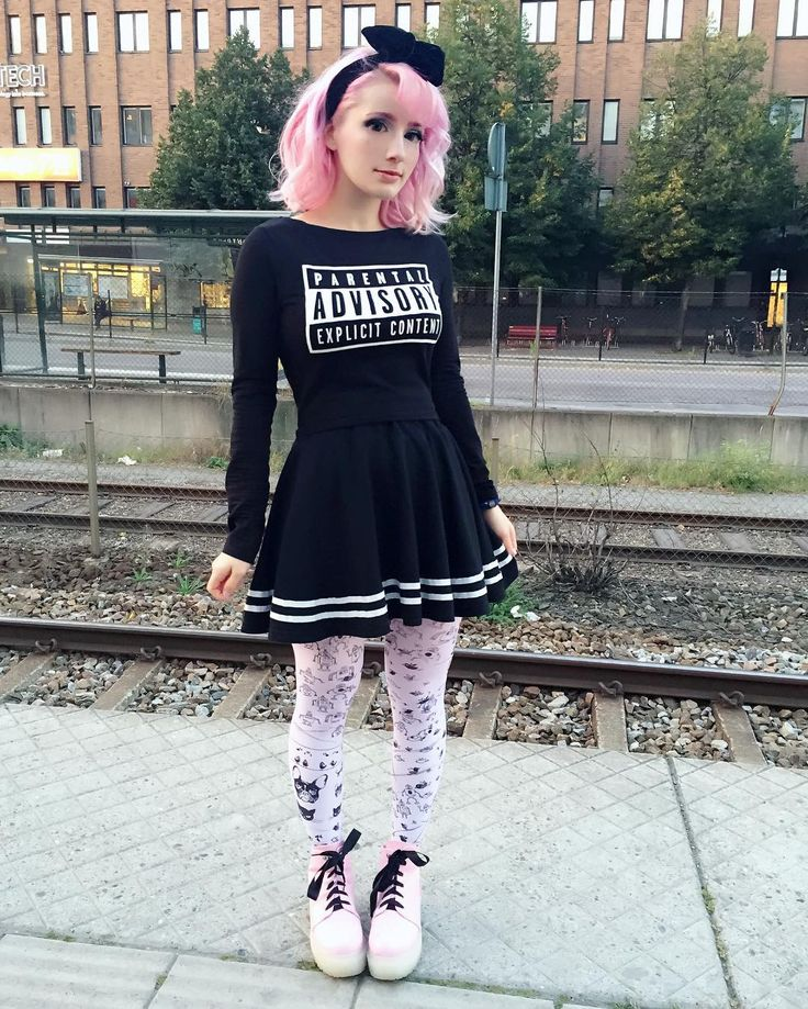 @pastelbat in our tights :*