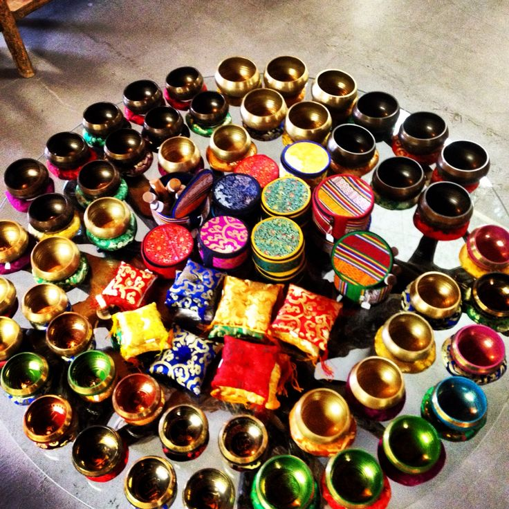 SINGING BOWLS FROM NEPAL;) #baliandbeyond #nepal #tibetansingingbowl #healingsound #meditation #wellbeing #singingbowl #music #relaxation #love #merrychristmas #yoga