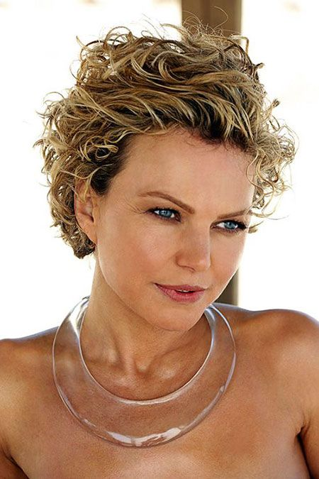 23 Short Curly Hairstyles For Round Faces Short Hair 3