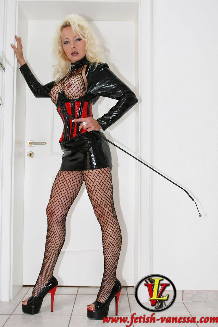 Fetish heeled high mistress