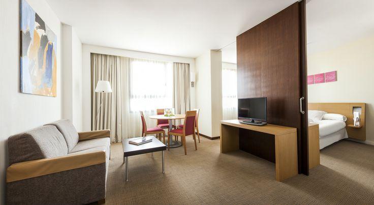 Gran suite en nuestro hotel en valencia cerca del palacio de congresos. www.confortelvalencia.com