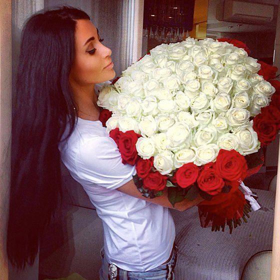 women with flowers pictures | Los mejores arreglos de rosas que toda mujer desea tener