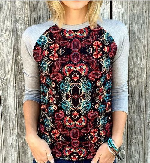 With the Randy T we like to swap the print and solid fabrics between the sleeves…