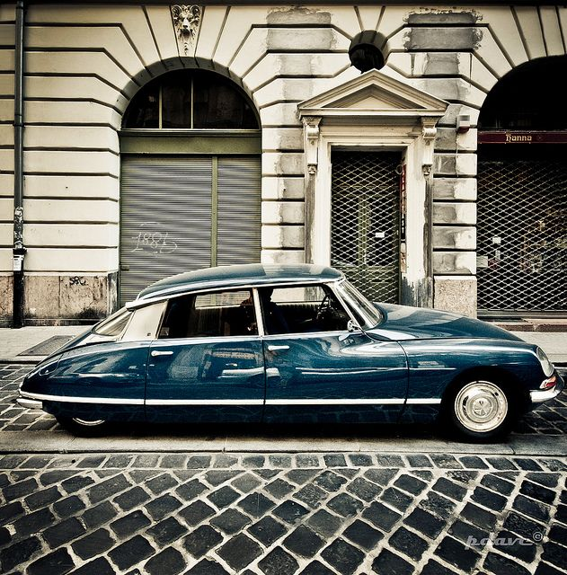 No car maker has yet produced a car that is comparable in design to the Citroën DS