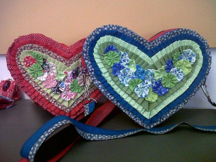 Cartera con forma de corazón , con flores aplicadas, #Hippie Chic