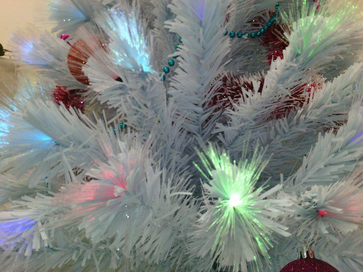 Sapin de #Noël blanc en fibre optique.