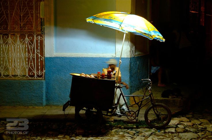 Sandwich Seller on the Cobbles photo | 23 Photos Of Havana