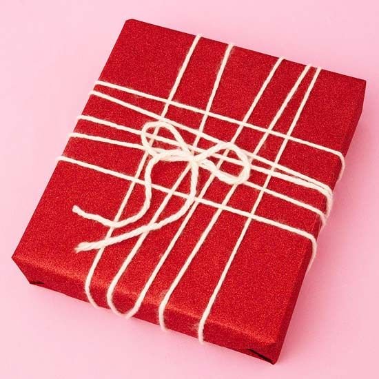 Clever gift wrapping ideas for all seasons. Like the simplicity of using