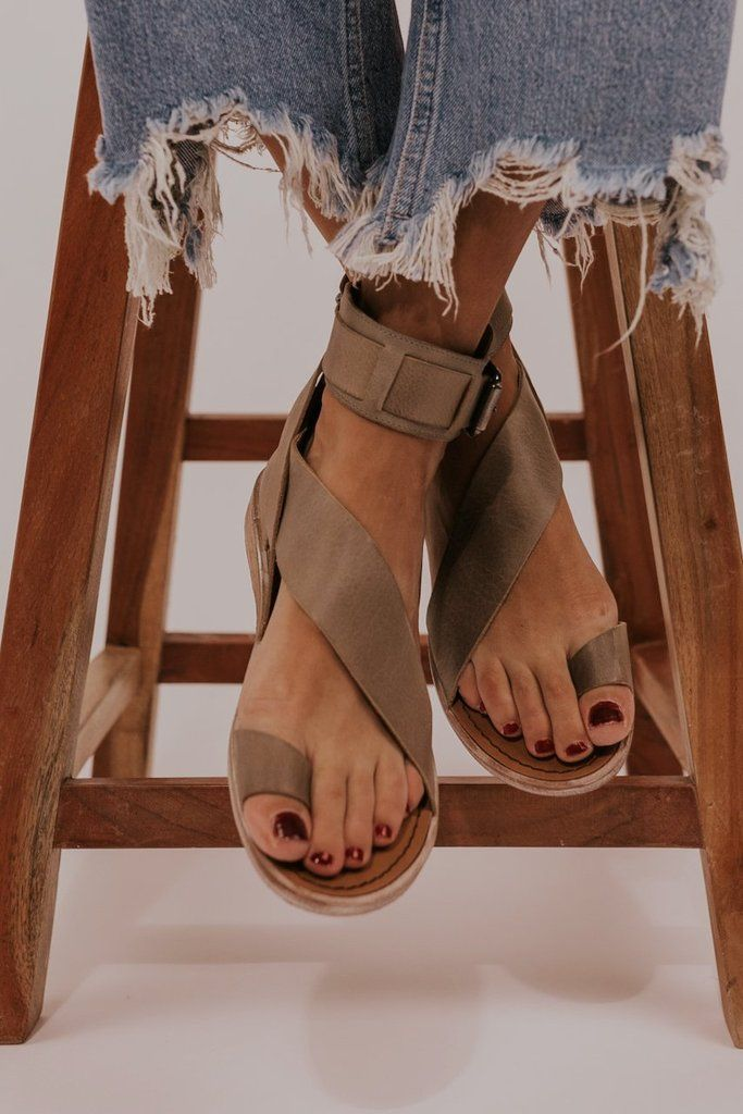 Strap sandals heels, Strappy leather