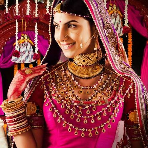 43c9d99278 A fully dressed Marwari Bride, #Rajasthan #India | Marwari Wedding ...