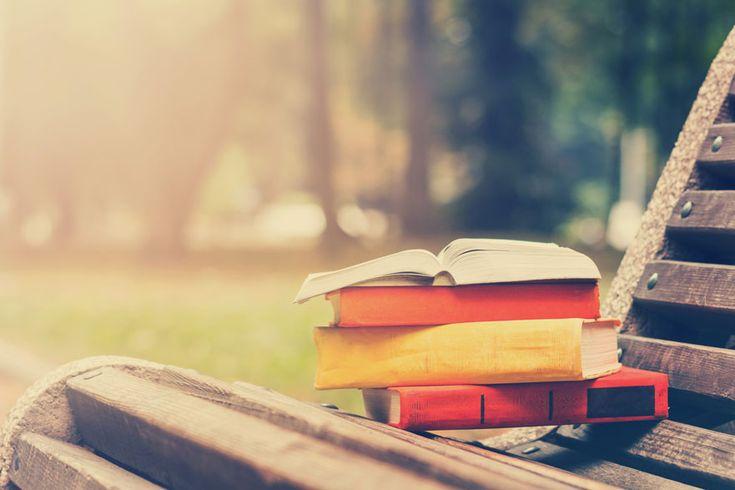 Un gran número de universidades españolas pone en marcha una programación de cursos y talleres durante el verano abiertos a la ciudadanía.