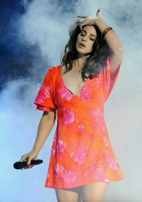 Lana at Coachella, Festival brights!