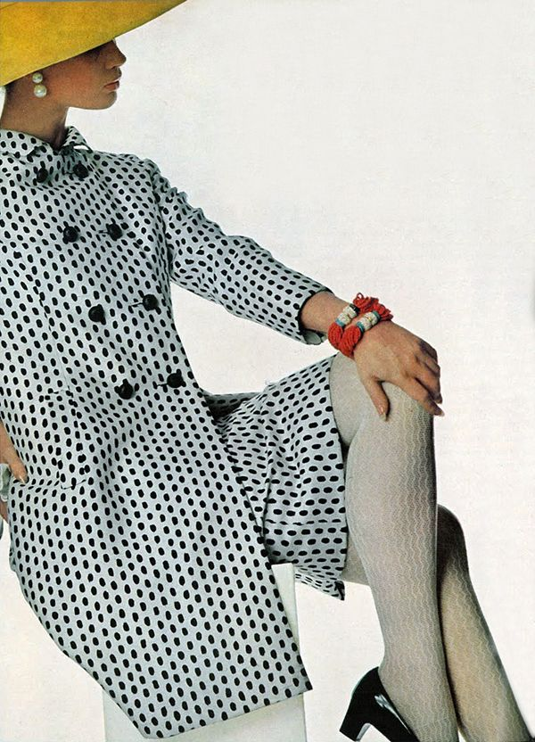 Vintage Fashion * Photo by Penn for Vogue 1966