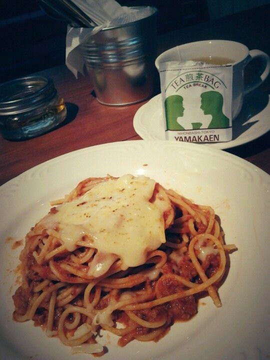 Spaghetti bolognese with fresh parmesan