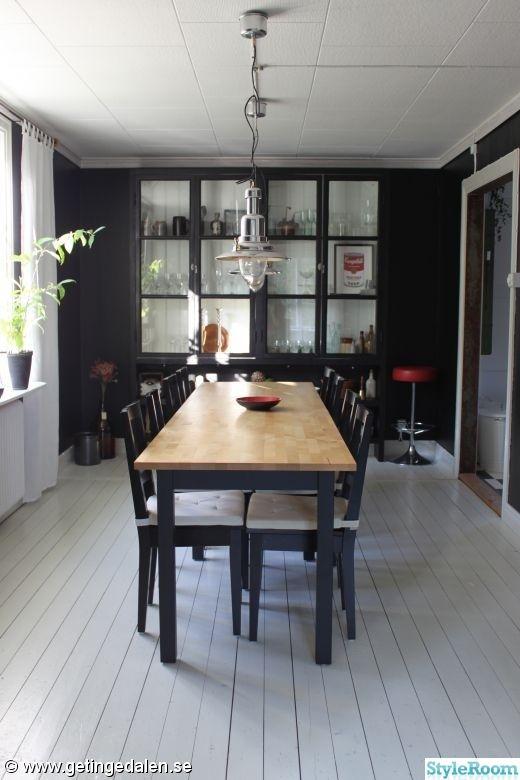 matrum,vitrinskåp,gamla fönster