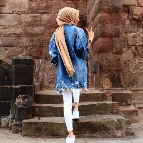white jeans with denim jacket- Cute hijab for teens http://www.justtrendygirls.com/cute-hijab-for-teens/