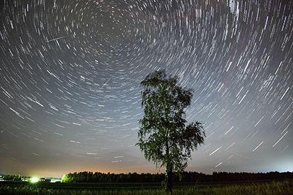 Загадочные метеориты из России опровергли миф о Солнечной системе http://mnogomerie.ru/2017/01/24/zagadochnye-meteority-iz-rossii-oprovergli-mif-o-solnechnoi-sisteme/  Представление о том, что химический состав небесных тел Солнечной системы был неизменным, оказалось мифом. Это выяснили исследователи из Лундского университета (Швеция), которые изучили 43 космических объекта, упавших на Землю 470 миллионов лет назад и найденных в России. Их статья опубликована в журнале Nature. В 2016 году…
