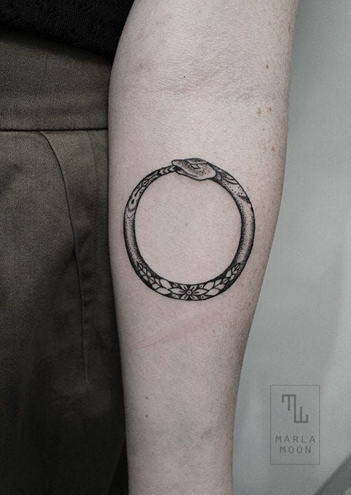 13 Beautiful Ouroboros Tattoos | Tattoodo.com                                                                                                                                                      More