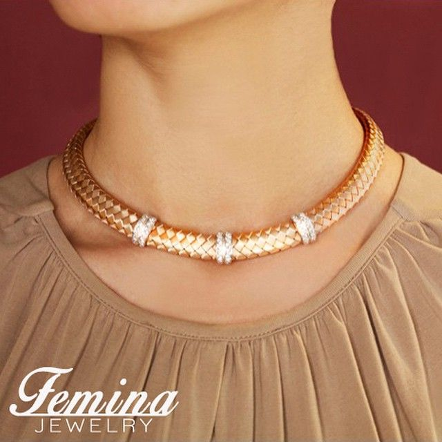 This stunning necklace is made from hand weaved Italian rose gold threads, and features fine details in white gold, set with 0.84ct diamonds. #necklace #jewelry #finejewelry #18k #rosegold #whitegold #diamonds