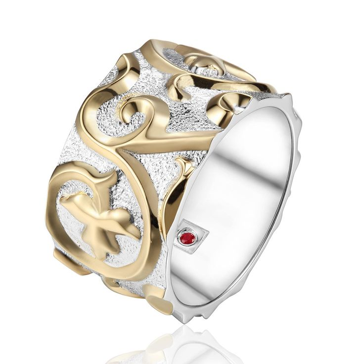 Ring from the ARABESQUE Collection