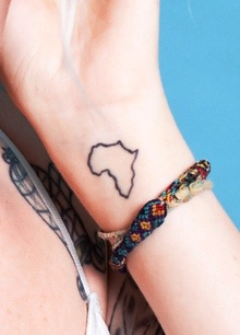 This is similar to the tattoo I'll eventually be getting. Africa <3