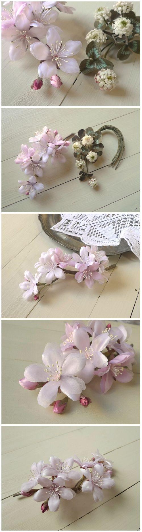 생지를 얇게 피할하여 염색후  모양을만들어 꽃을 만듬