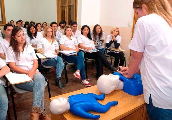 Carrera de Enfermería: hay 350 estudiantes
