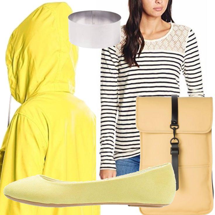 Piove e tu? vuoi sentirti colorata! Copriabito giallo impermeabilizzato, zaino giallo RAIN impermeabilizzato, ballerina gialla all'occorrenza da cambiare con stivali antipioggia, t-shirt a righe bianche e blu e accessori in argento.