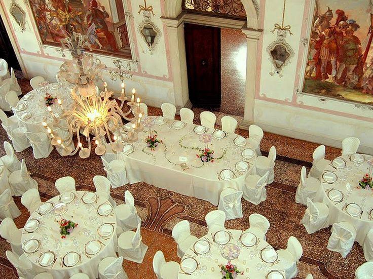 Consigli di stile per allestire la #location di #matrimonio al chiuso e all'aperto. #wedding #nozze