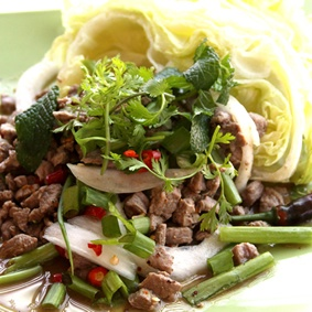Delicious Larb by 40-Love Cafe in Burbank, CA | Click to order online
